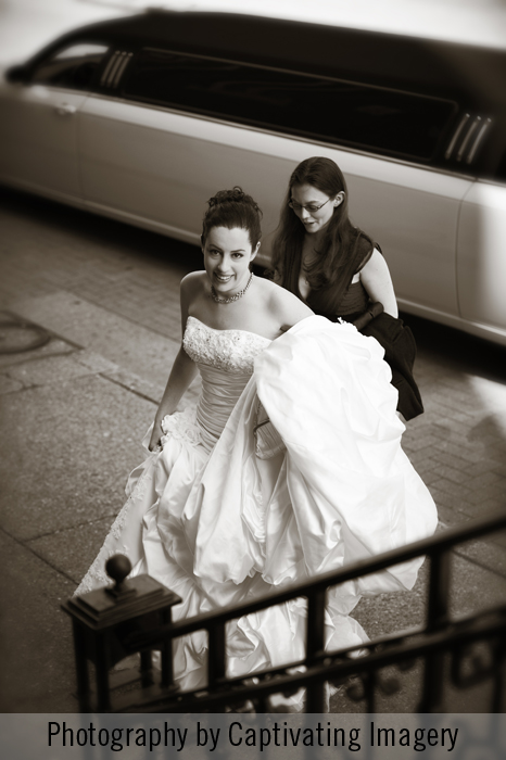 photo of a bride arrivin at the Duquesne Chapel in Pittsburgh