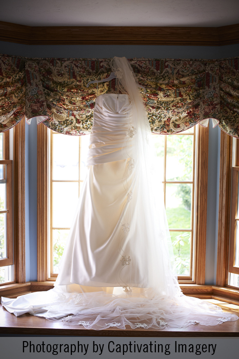 Pronovais bridal gown and handmade veil